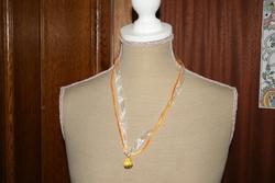Halsketting hangertje (geel)