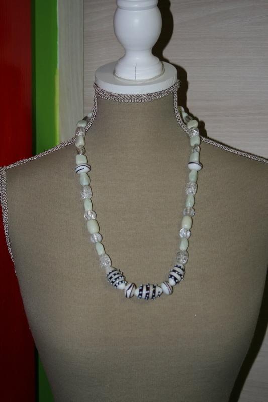 Halsketting glaskralen (wit)