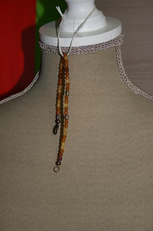 Armband met glaskralen (op z'n oranje)