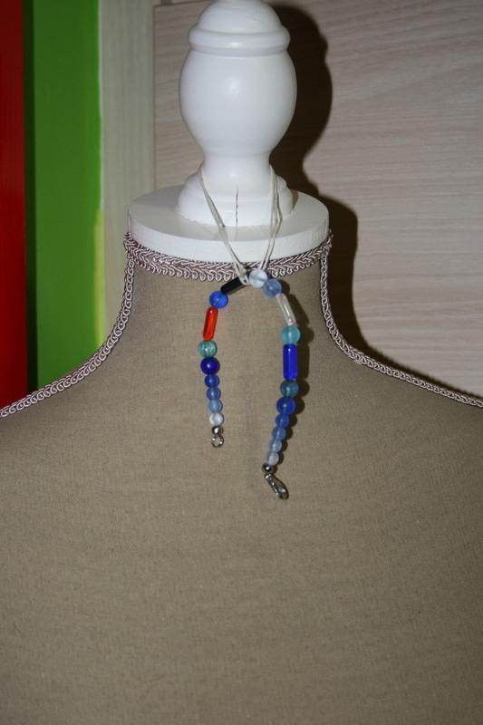 Armband met glaskralen (blauw)
