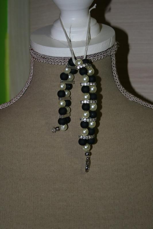 Armband met glaskralen (zwart en wit)