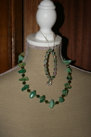 Setje edelsteen en kristallen (op z'n groen)