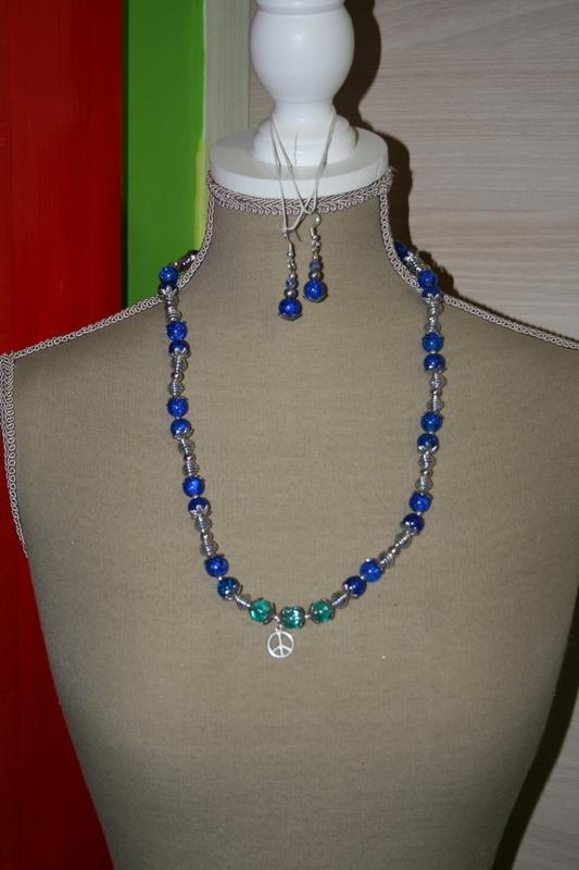 Setje Crackle Kralen en Spiraalkralen (op z'n blauw)