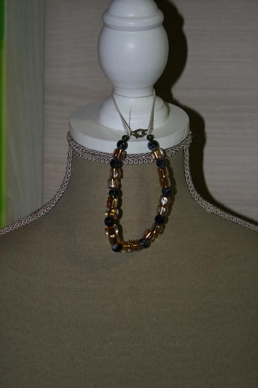 Armband met glaskralen (op z'n zwart)
