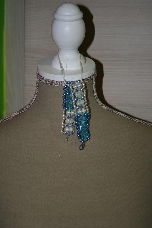 Armband met kristal parels (blauw en wit)
