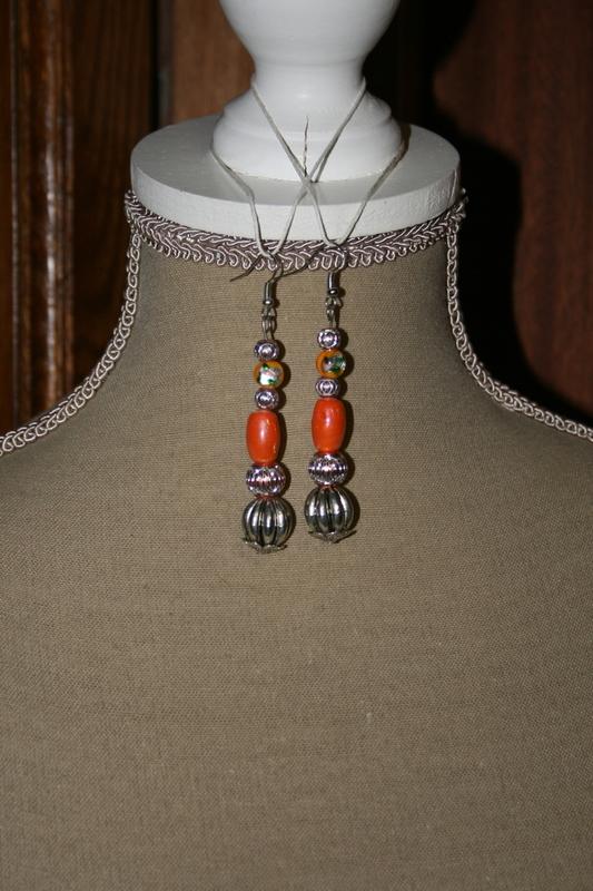 Oorbellen met glaskralen (oranje)