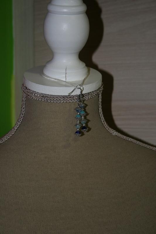 Oorbellen met kristallen (op z'n blauw)