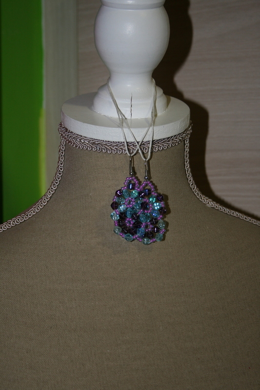 Oorbellen met kristal (op z'n blauw)