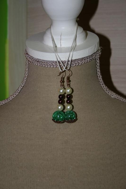 Oorbellen met glaskralen (turquoise)