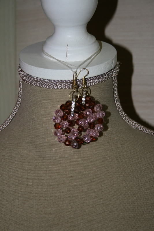 Oorbellen met kristal kralen (op z'n roos)
