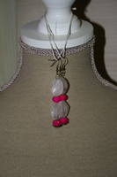 Oorbellen met edelsteen (wit met roze)