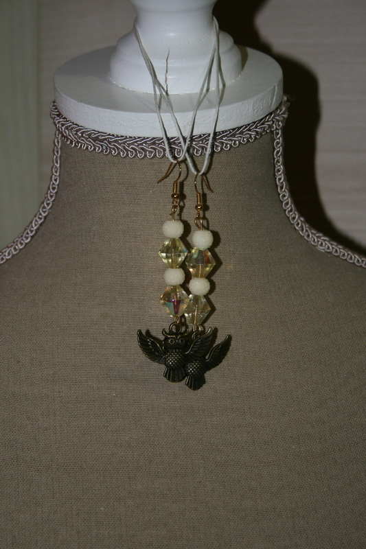 Oorbellen met edelsteen - sparkling beads  (op z'n wit)