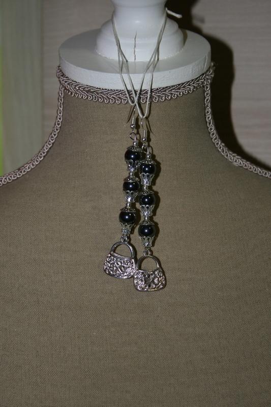 Oorbellen met edelsteen (op z'n zwart)