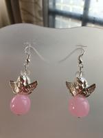 Oorbellen Glaskralen en metaalkralen (roze)