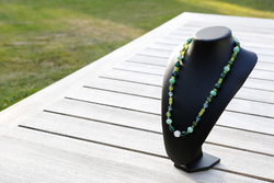 Halsketting met glaskralen (groen)